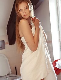 Bretona nude in glamour EZIM gallery - MetArt.com