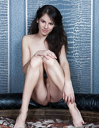 Swan A nude in glamour HERIDY gallery
