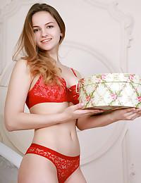Veronika Mink bare in softcore DOTIRA gallery - MetArt.com