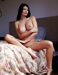 Lucy Li naked in erotic TONTIE gallery - MetArt.com