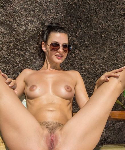 Glamour Ultra-cutie - Naturally Beautiful Amateur Nudes