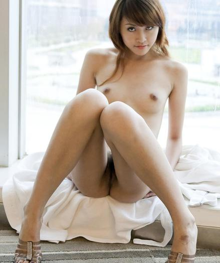 Titillating Loveliness - Categorically Beautiful Mediocre Nudes